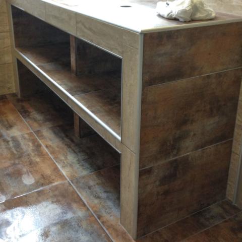 meuble sur mesure double vasque, finition baguettes alu